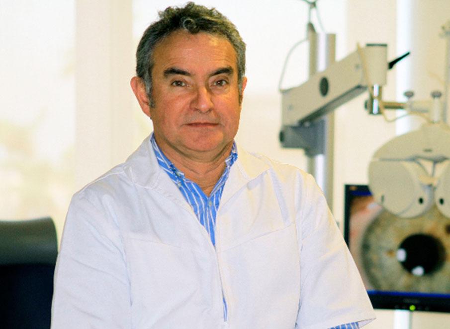 Dr. Sergio Tabilo, oftalmólogo del Centro Oftalmológico Puerta del Sol.