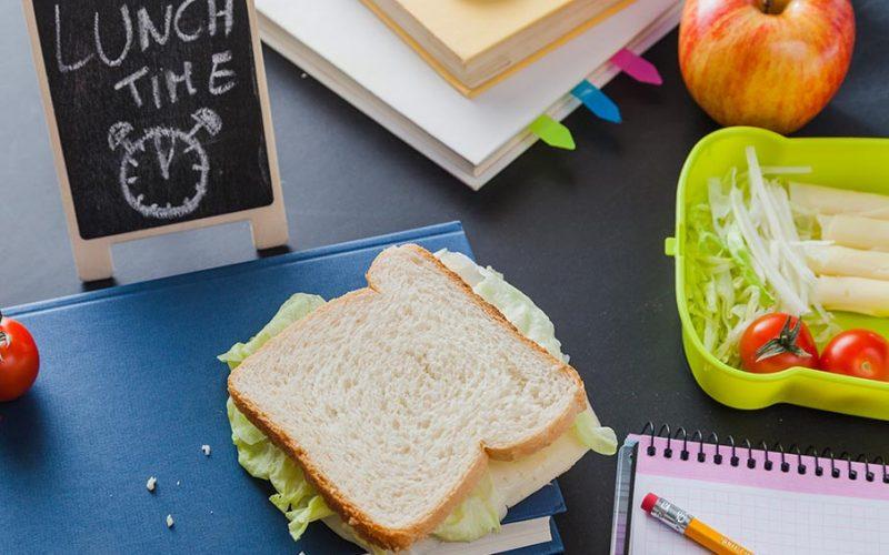 Consejos para preparar colaciones saludables durante la época escolar