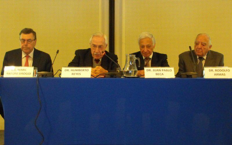 """VIII Seminario de Bioética: """"De la Relación Médico Paciente a la Relación Clínica"""""""