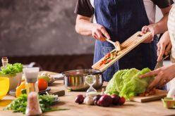 Malos hábitos alimentarios en cuarentena pese a caída en ventas de la comida rápida