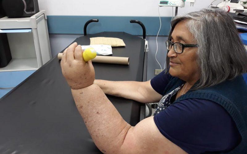 Mujeres con cáncer de mama: programa de desarrollo de fuerza muscular