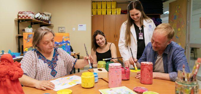 Las prometedoras proyecciones de la terapia ocupacional en la salud chilena