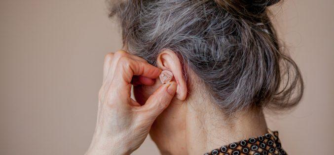 Tratamiento de la hipoacusia del adulto mayor durante la pandemia